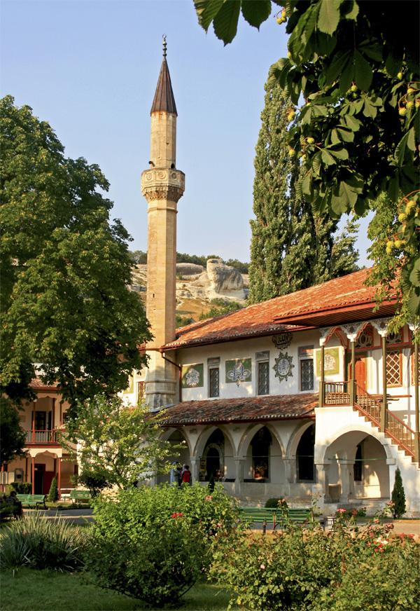 Оккупанты намерены снести историческое здание Ханского дворца в Бахчисарае - Цензор.НЕТ 847